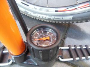 SKS-Rennkompressor-manometer